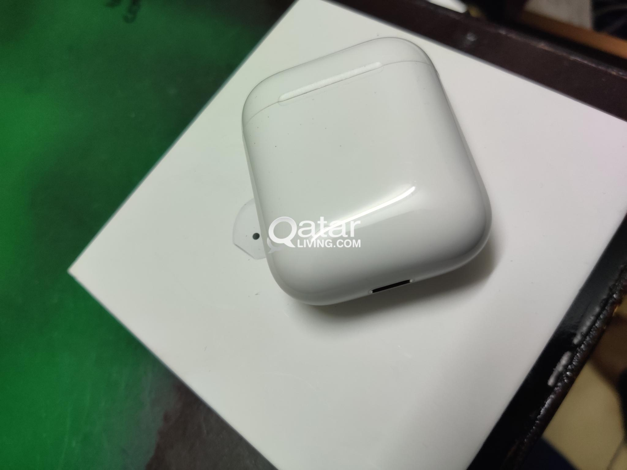 apple airpods 2 (used for 2 months)