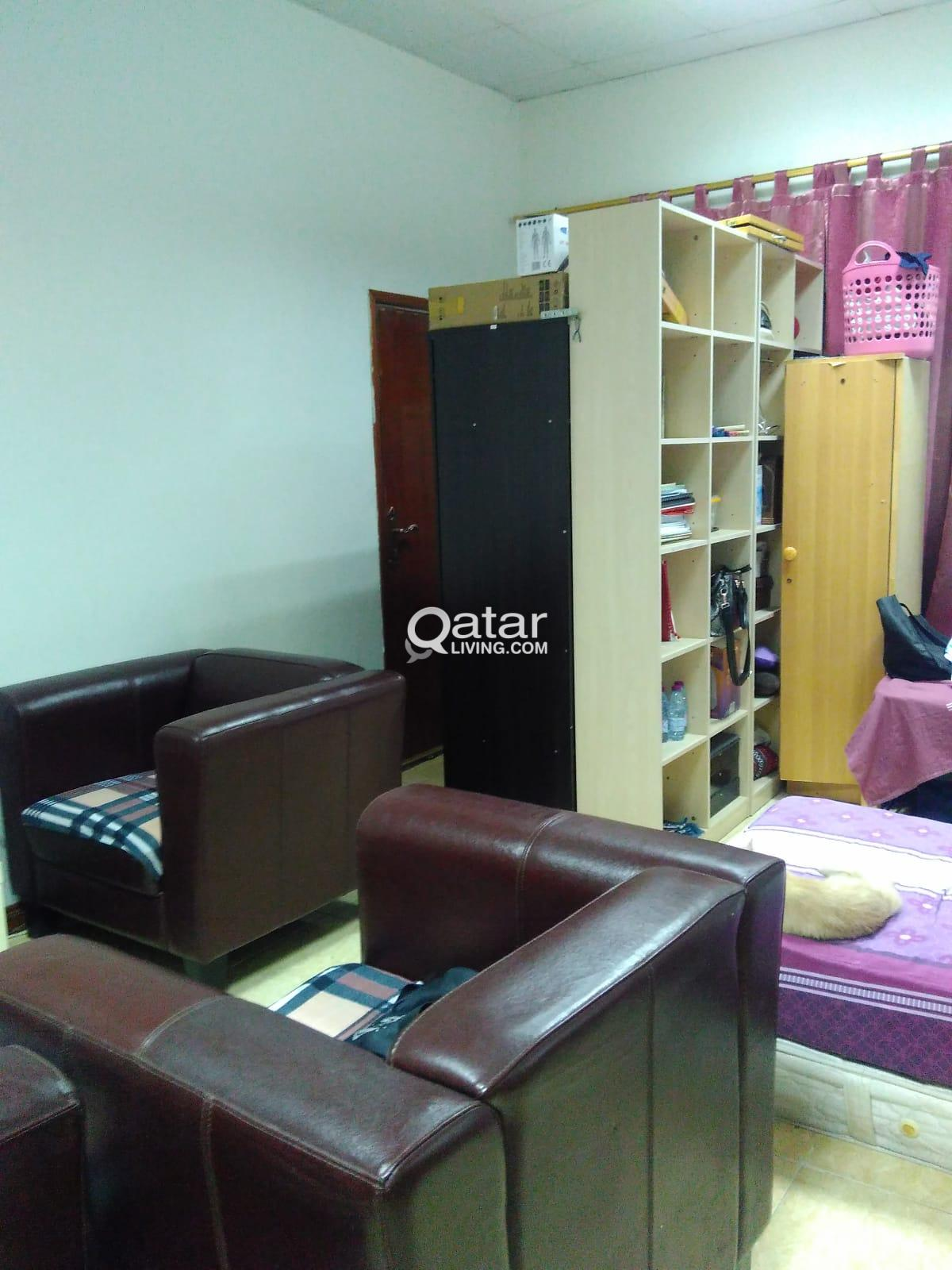 FULLY FURNISHED MASTER BEDROOM FOR RENT AVAILABLE