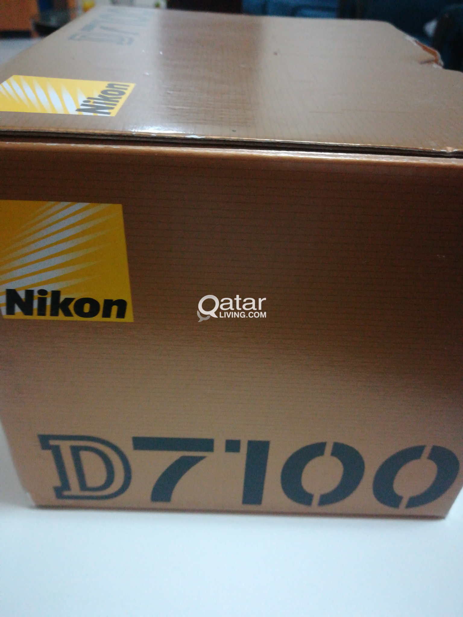 Nikon D7100 with 18-200mm VR II ED and Speedlight