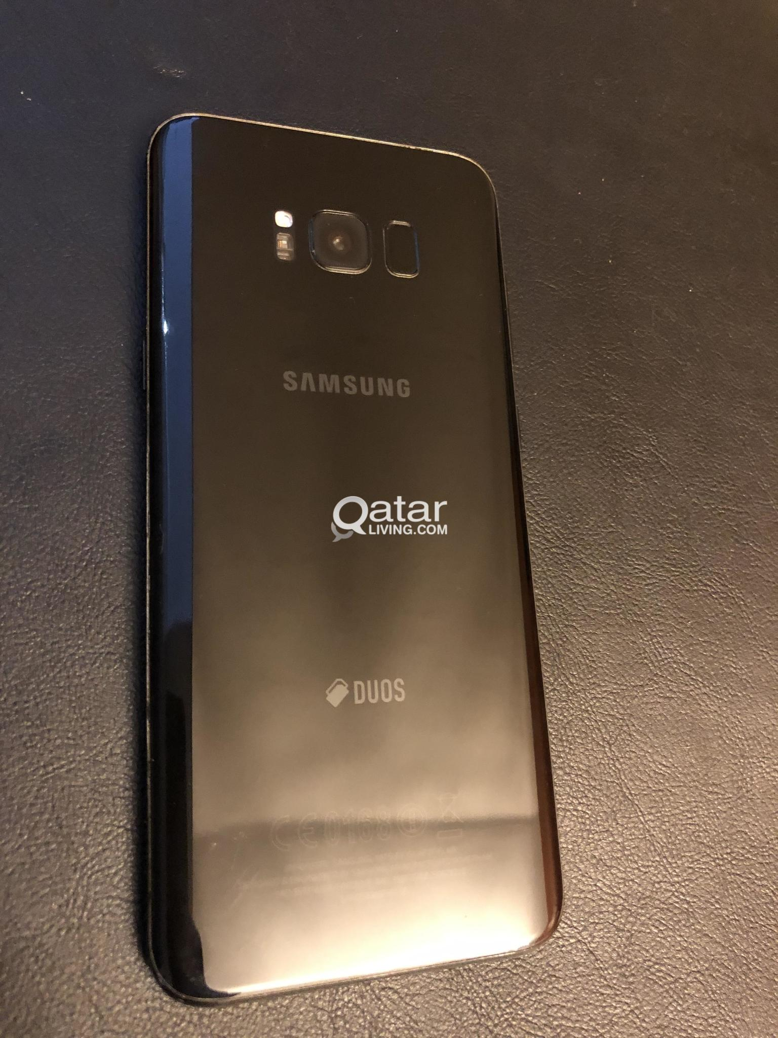 Samsung Galaxy S8+ W/ VR headset