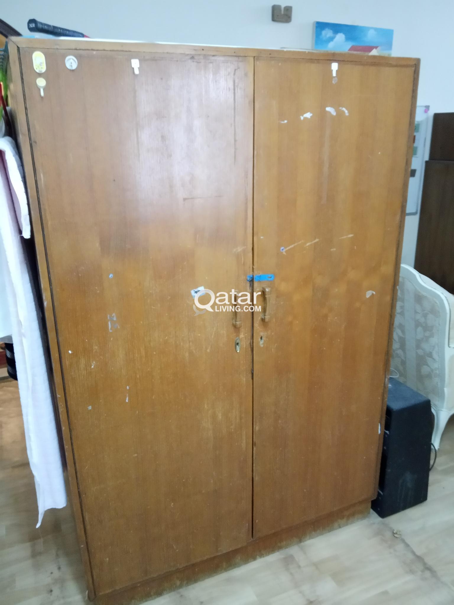 Large Wooden Wardrobe Cabinet (urgent sale till to