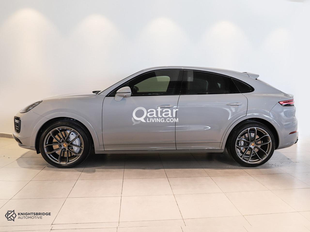 2020-Porsche Cayenne Turbo Coupe.