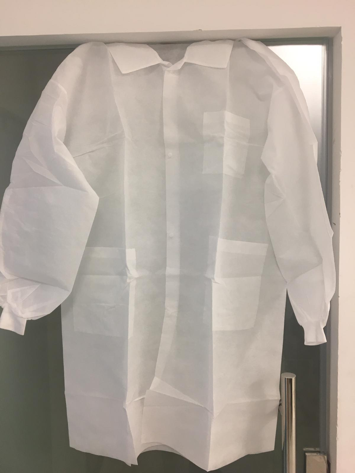 Disposable Lab Gowns