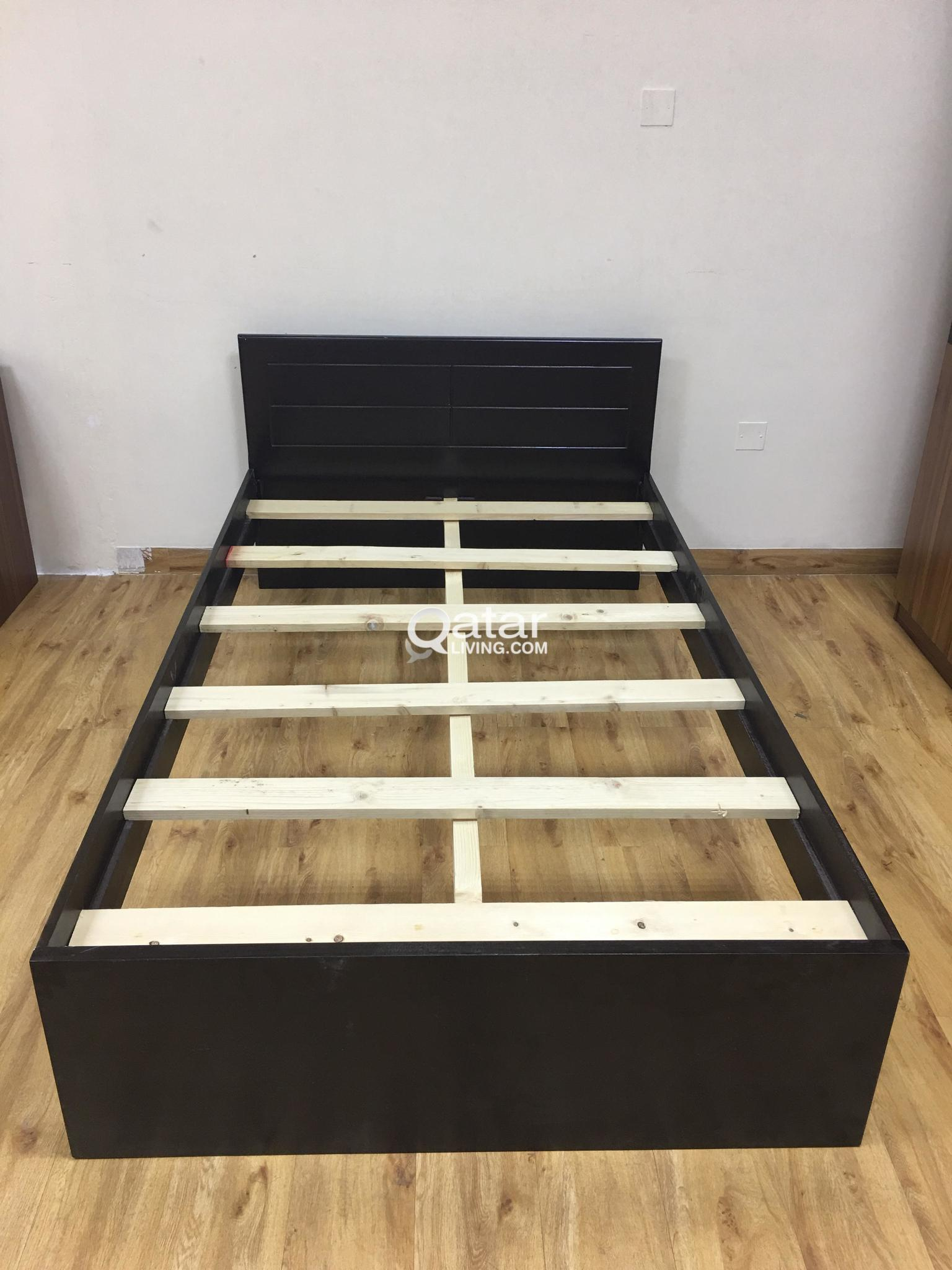 SINGLE WOODEN BED 90X190 WHITE AND BROWN COLOUR -
