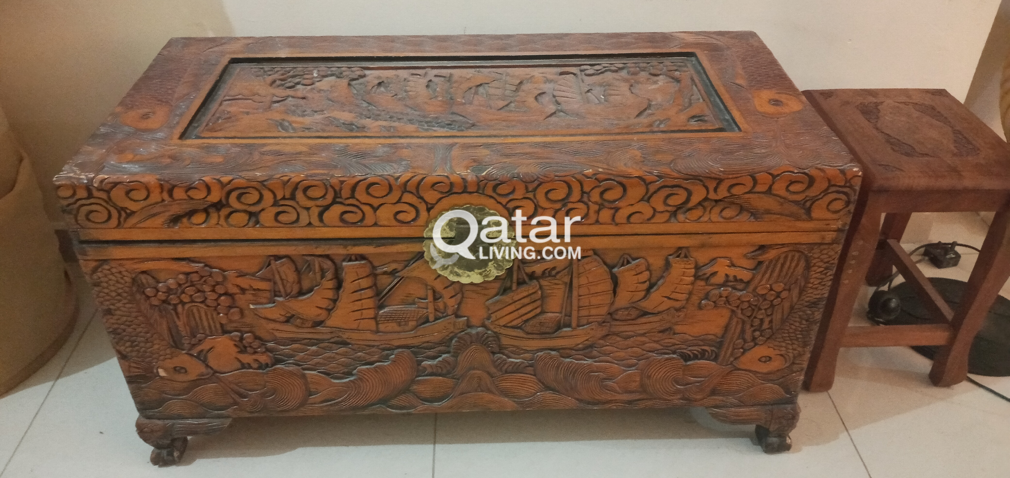 ANTIQUE WOODEN CARVING BOX