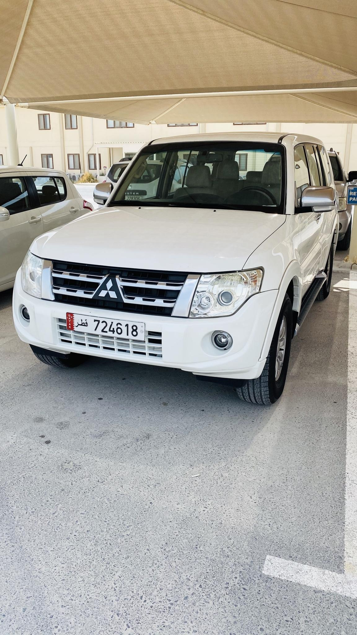 Family Used Pajero 3.5L (6 Cylinder) for Sale