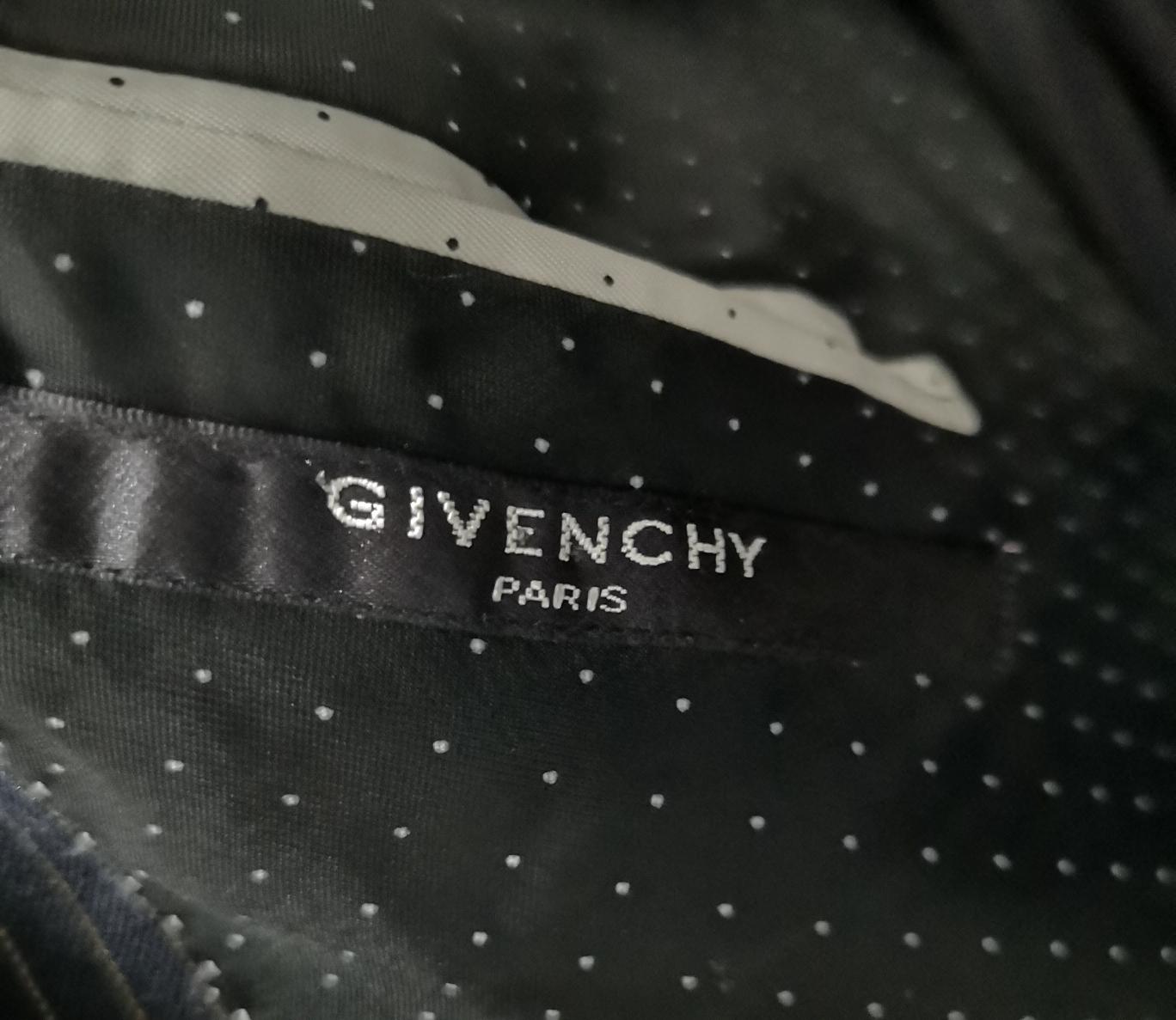 GIVENCHY Men suit