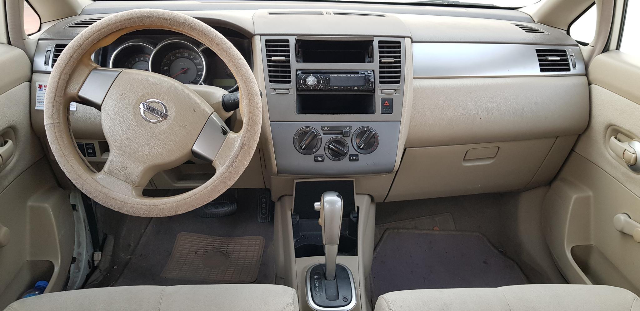 Nissan Tiida Hatchback new istimara Japan