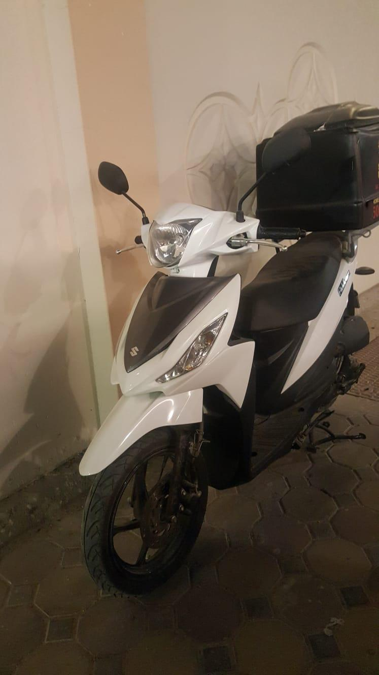 Suzuki Motorbike with Delivery Box
