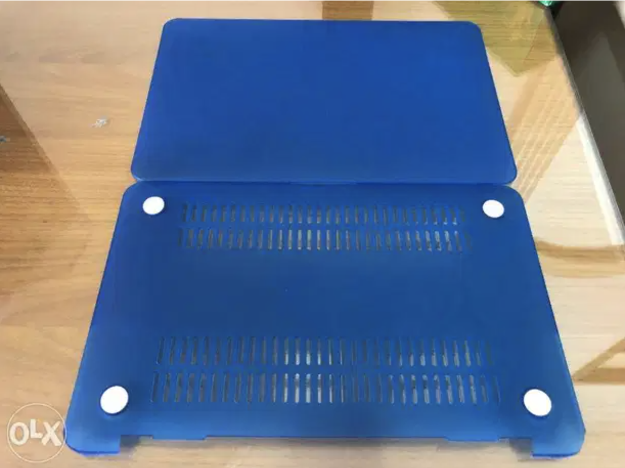 MacBook Air 11inch Blue Hard Case Clean and in goo