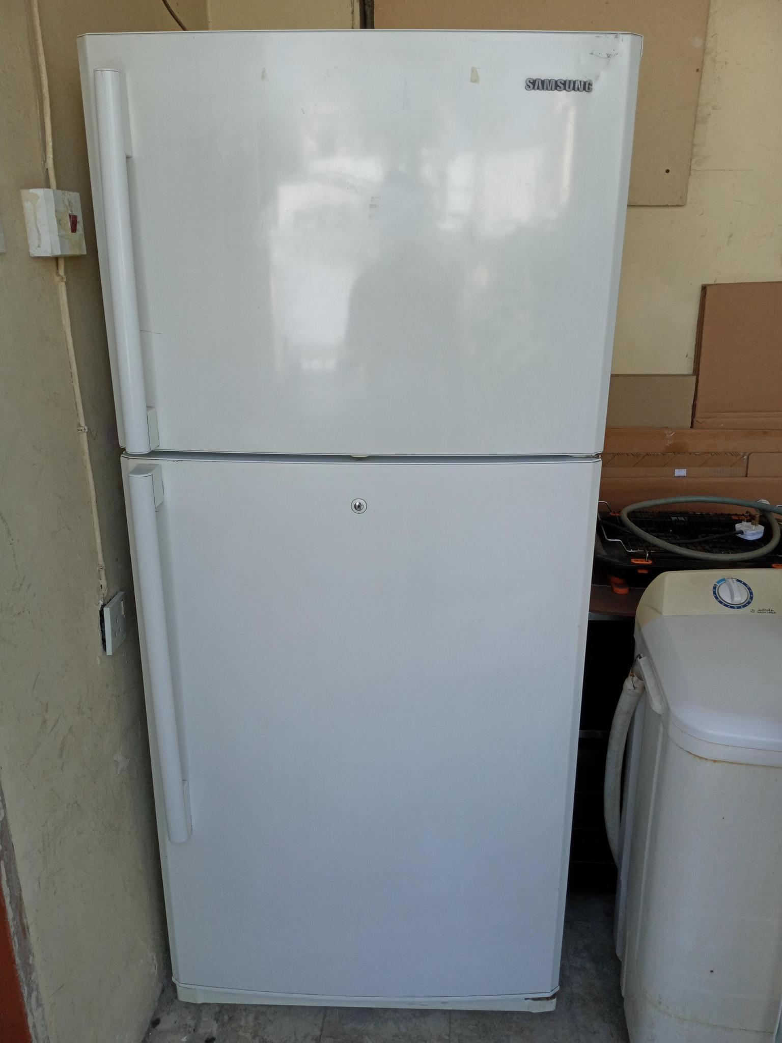 Samsung fridge and split ac 1000 slightly nego Wat