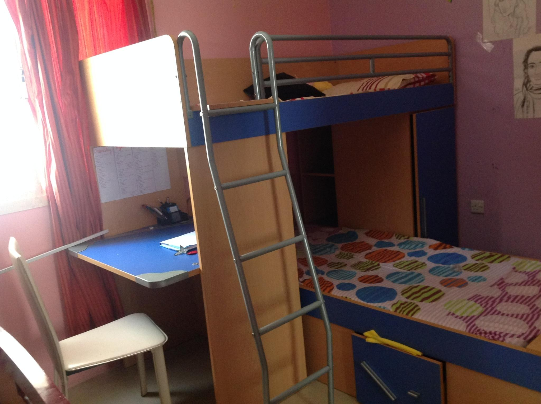 New Bunk bed for kids - Homecenter - Rarely used