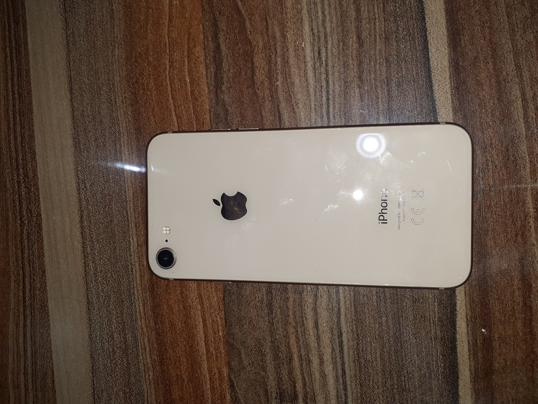 iPhone 8 very clean 64GB only 900QR