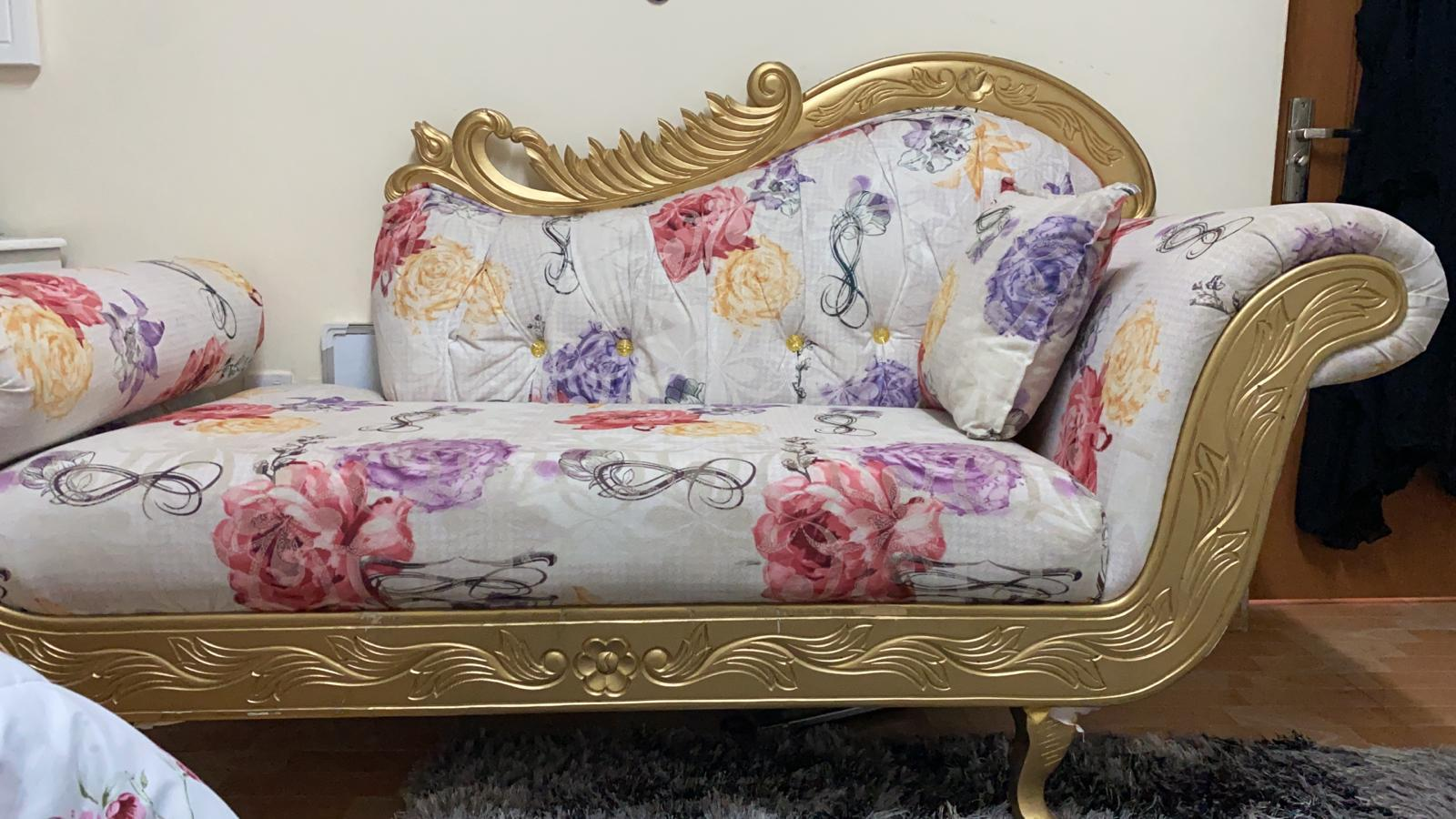 Divan couch in excellent condition