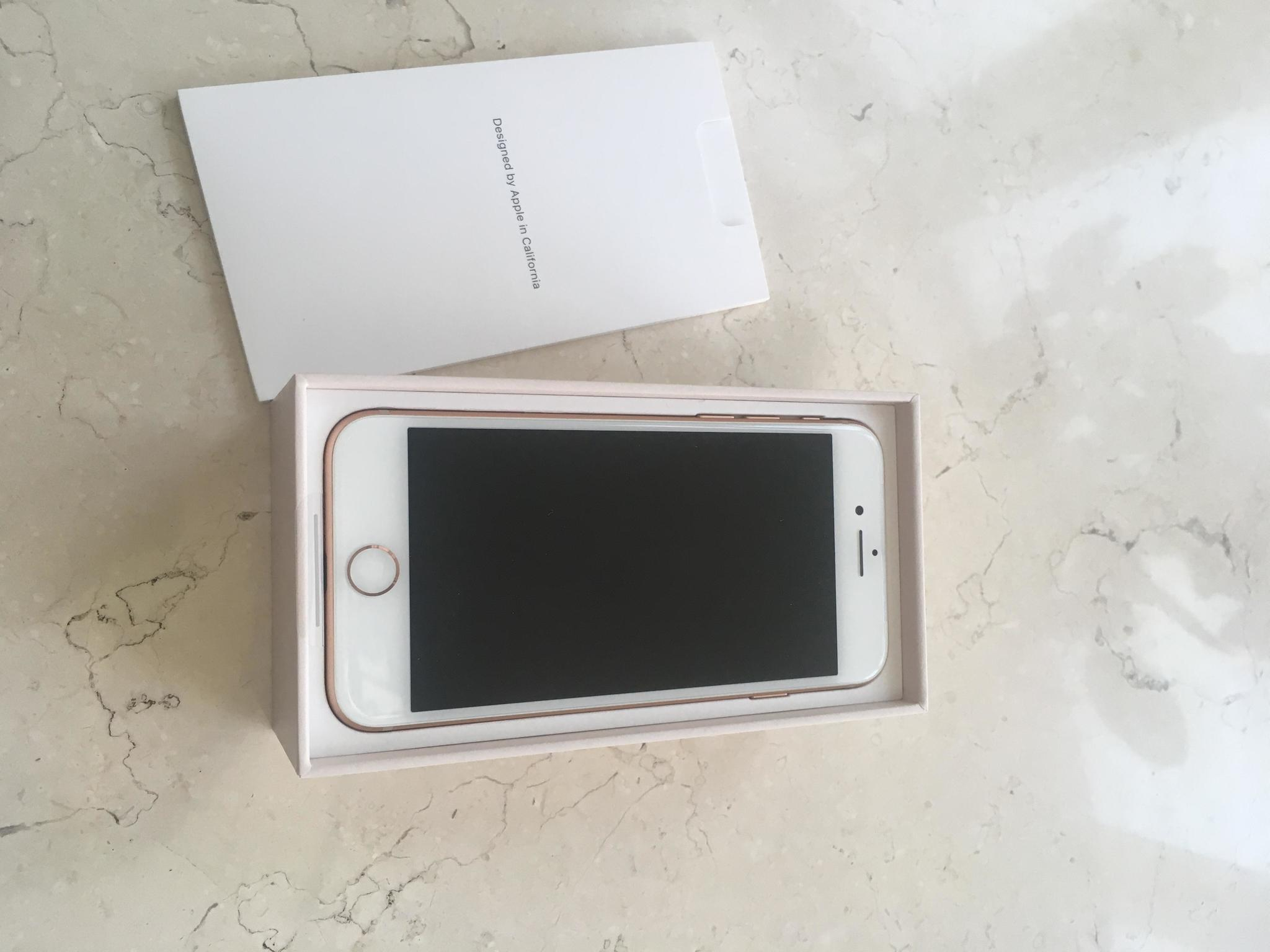 NEW iPhone 8 Gold, 256 GB NEVER USED