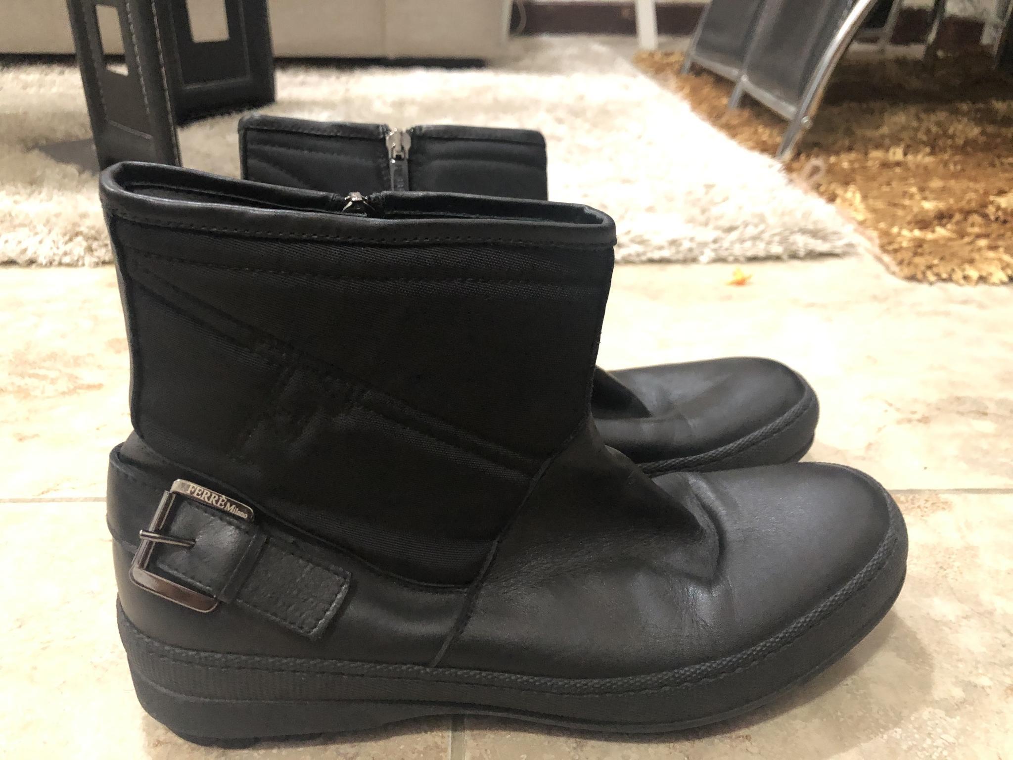Ferre Milano authentic original boots