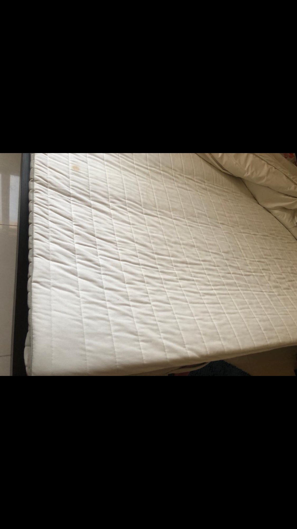 Ikea bed and mattress n side drawers
