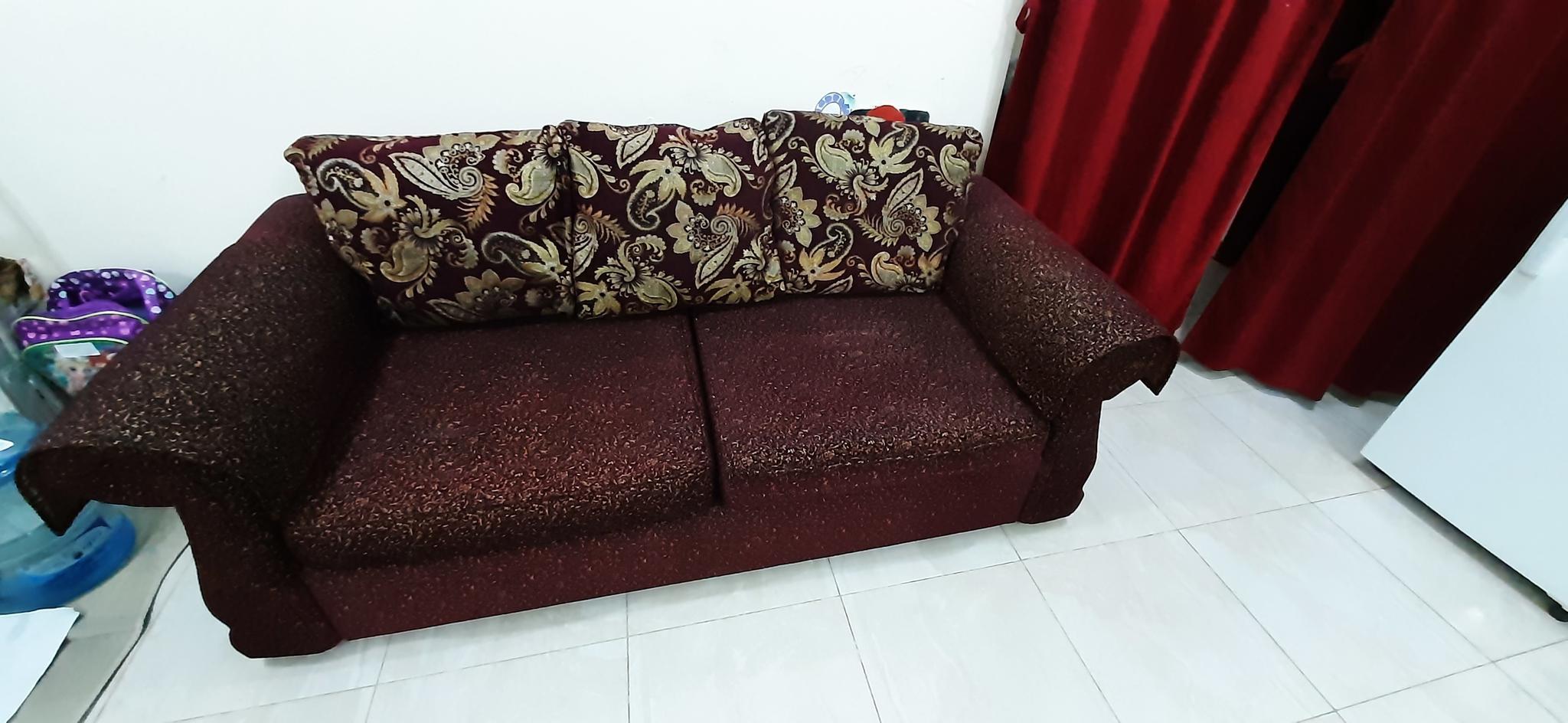 9 Seater Sofa in 1200 Qr
