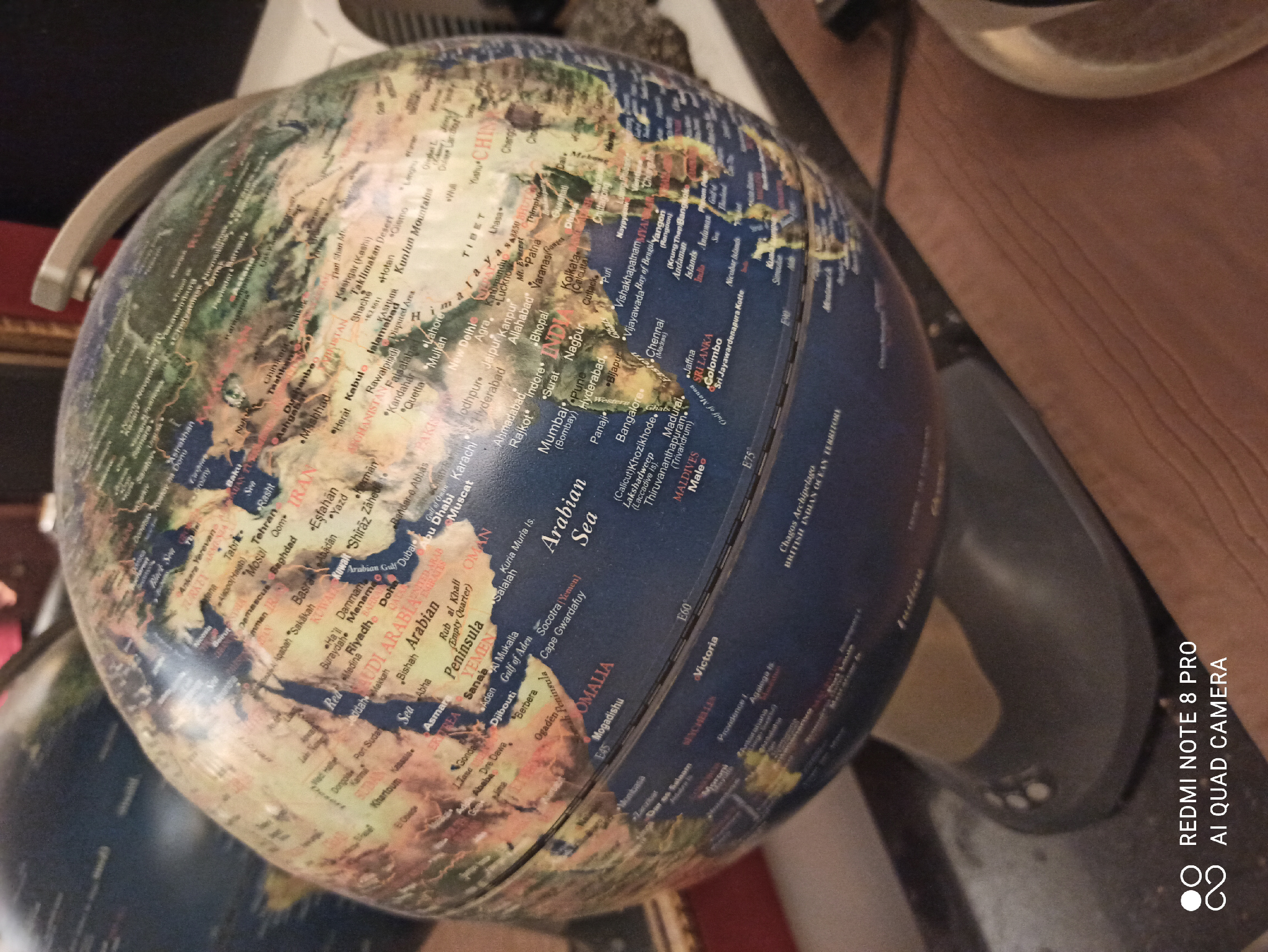 Table lamps with world maps good condition