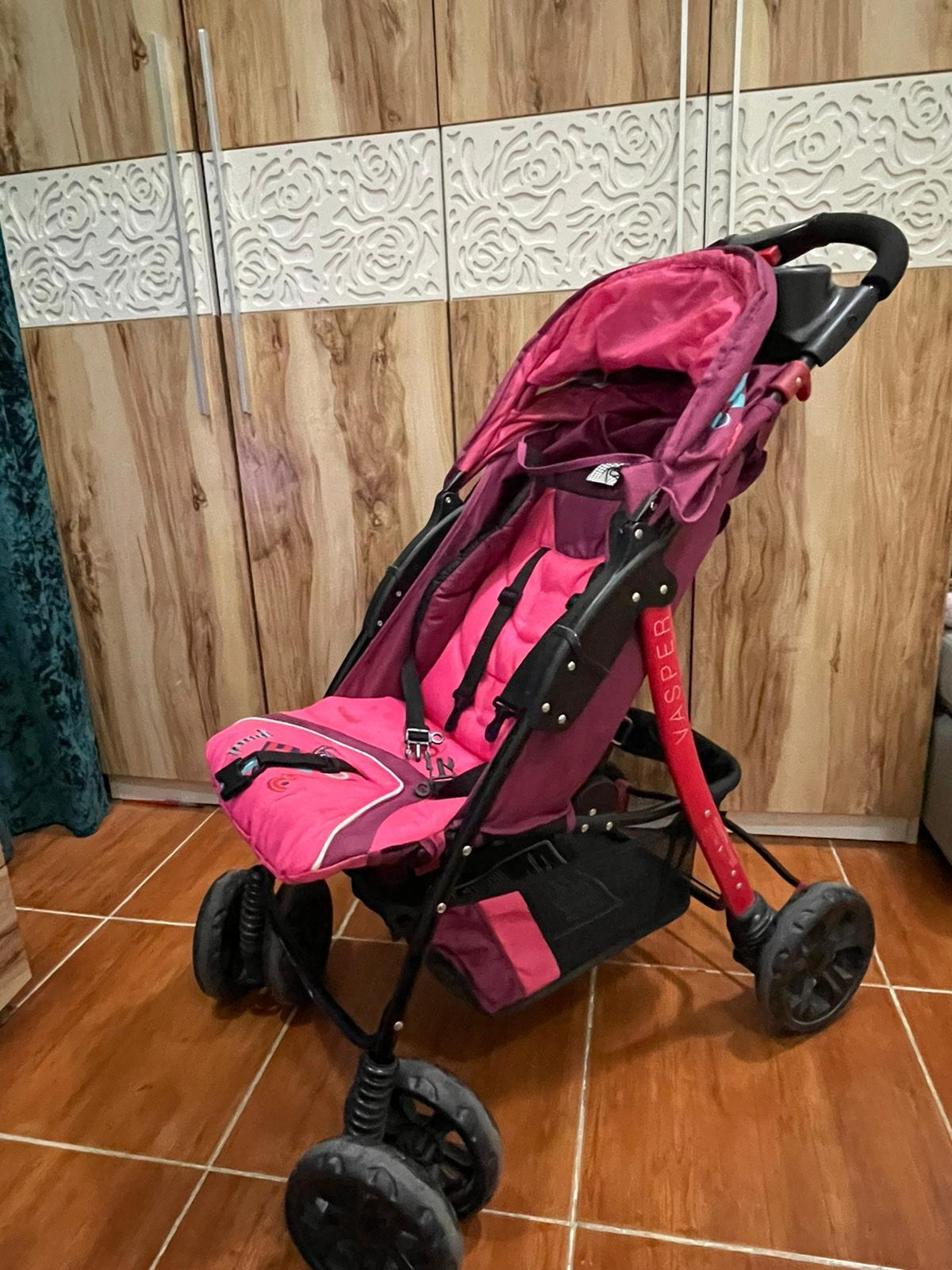 Stroller with free walker