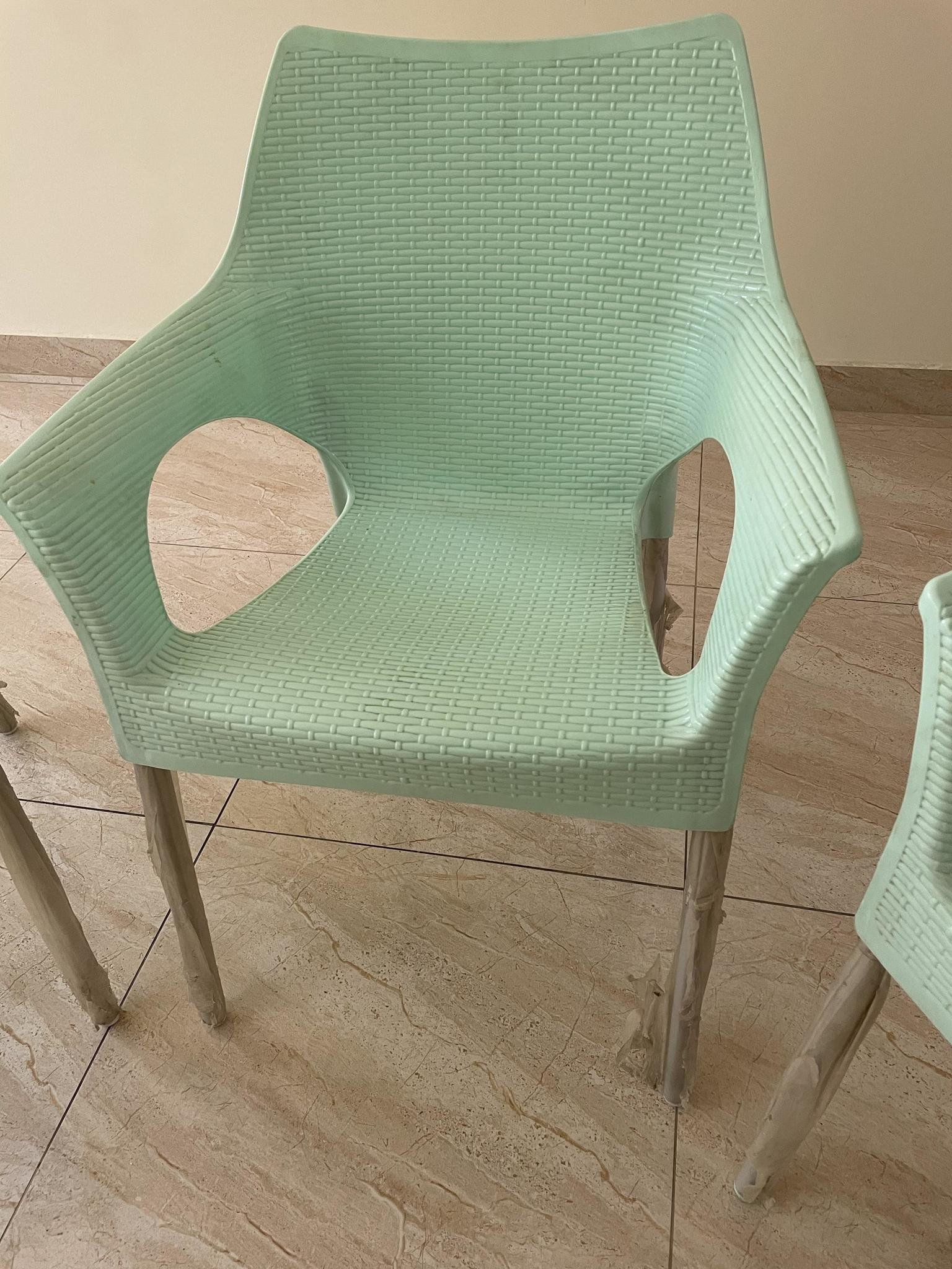 Table + 3 chairs for sale