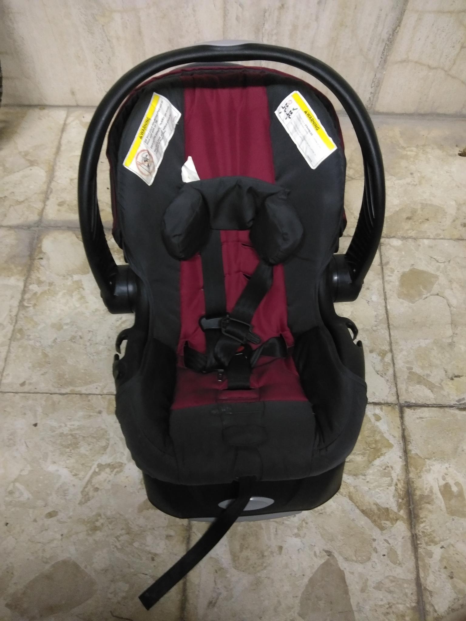 Baby car seat.. Baby pram