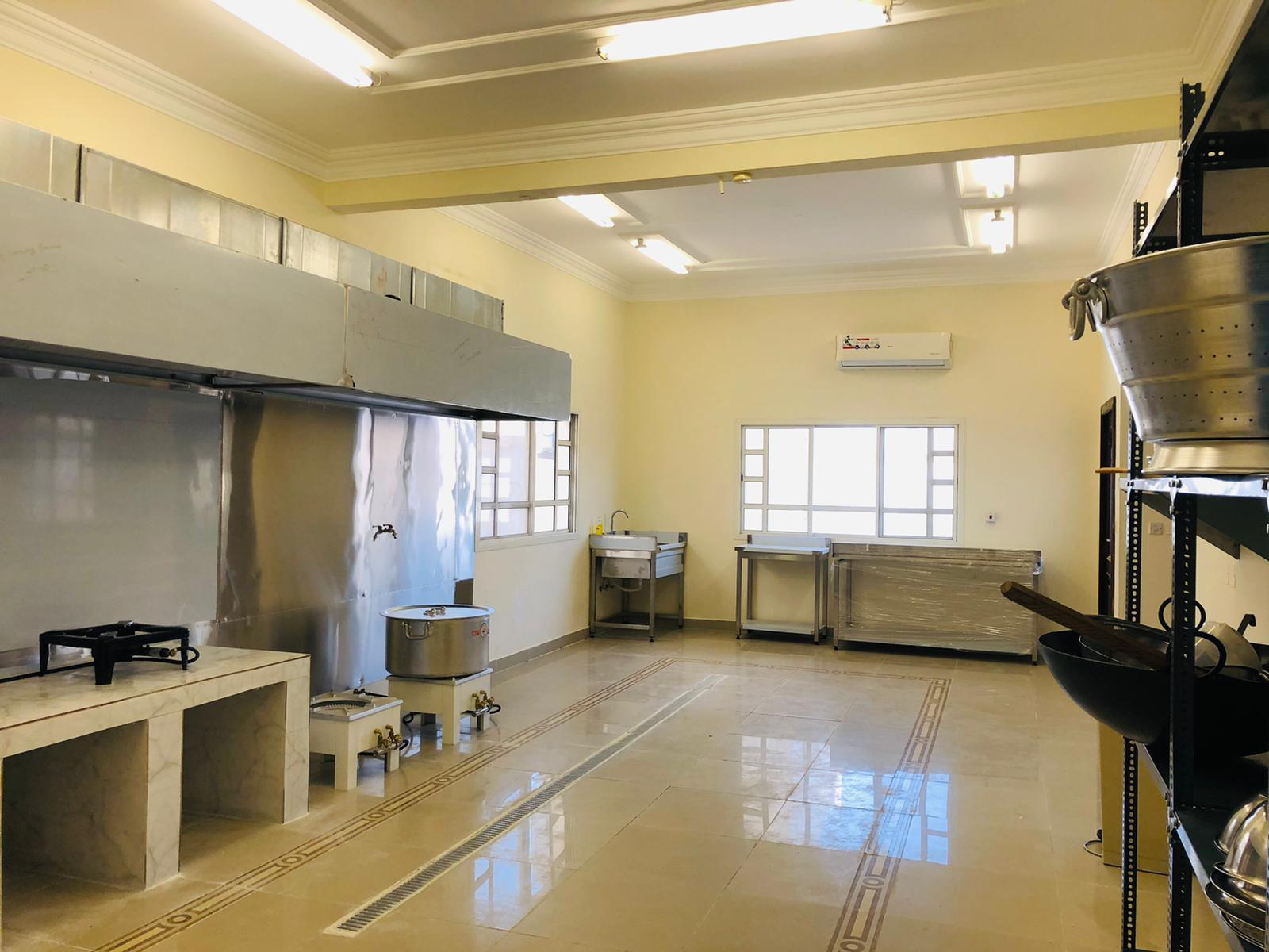 A Brand new Kitchen fully equipped is available fo