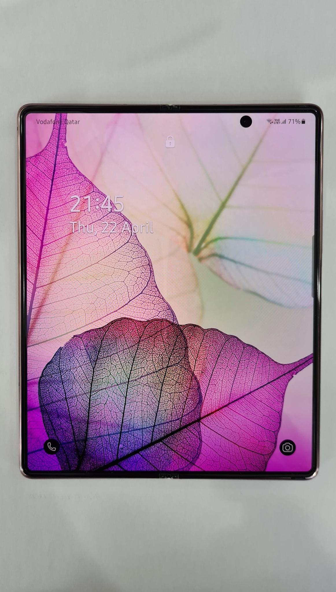 Samsung galaxy Fold 2 (Under warranty)