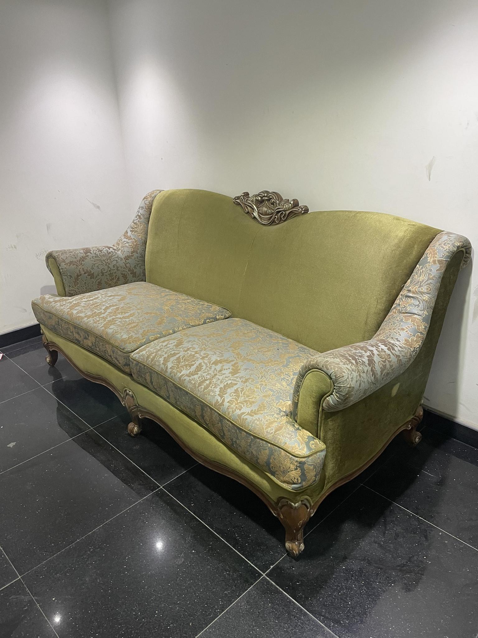 Antique Design Sofa