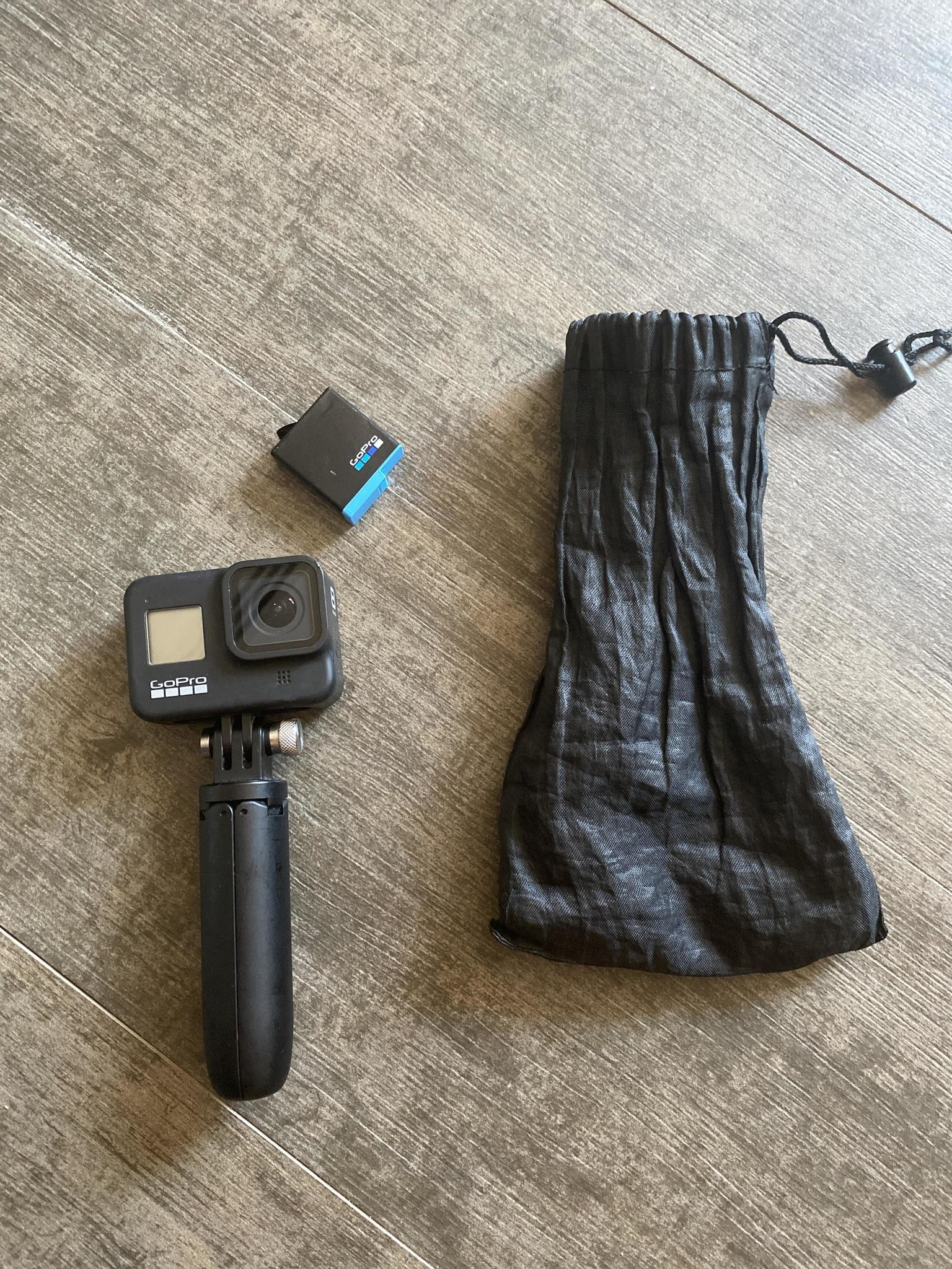 Gopro 8 black and memory card sandisk 128gb!!!! An