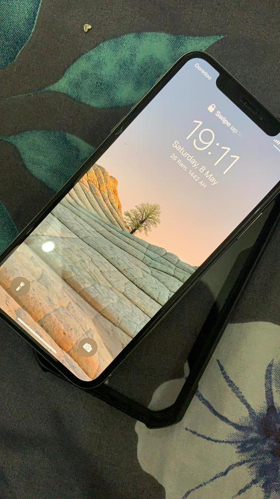 Iphone XS 64 Gb( Very Very Less Used)
