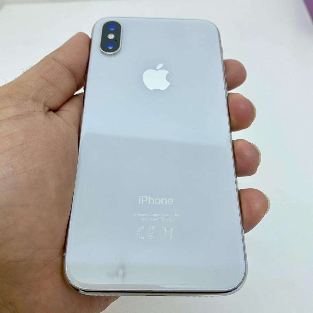 Apple iPhone X 64GB white like new full set