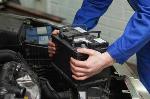Free onsite car battery replacement in Qatar