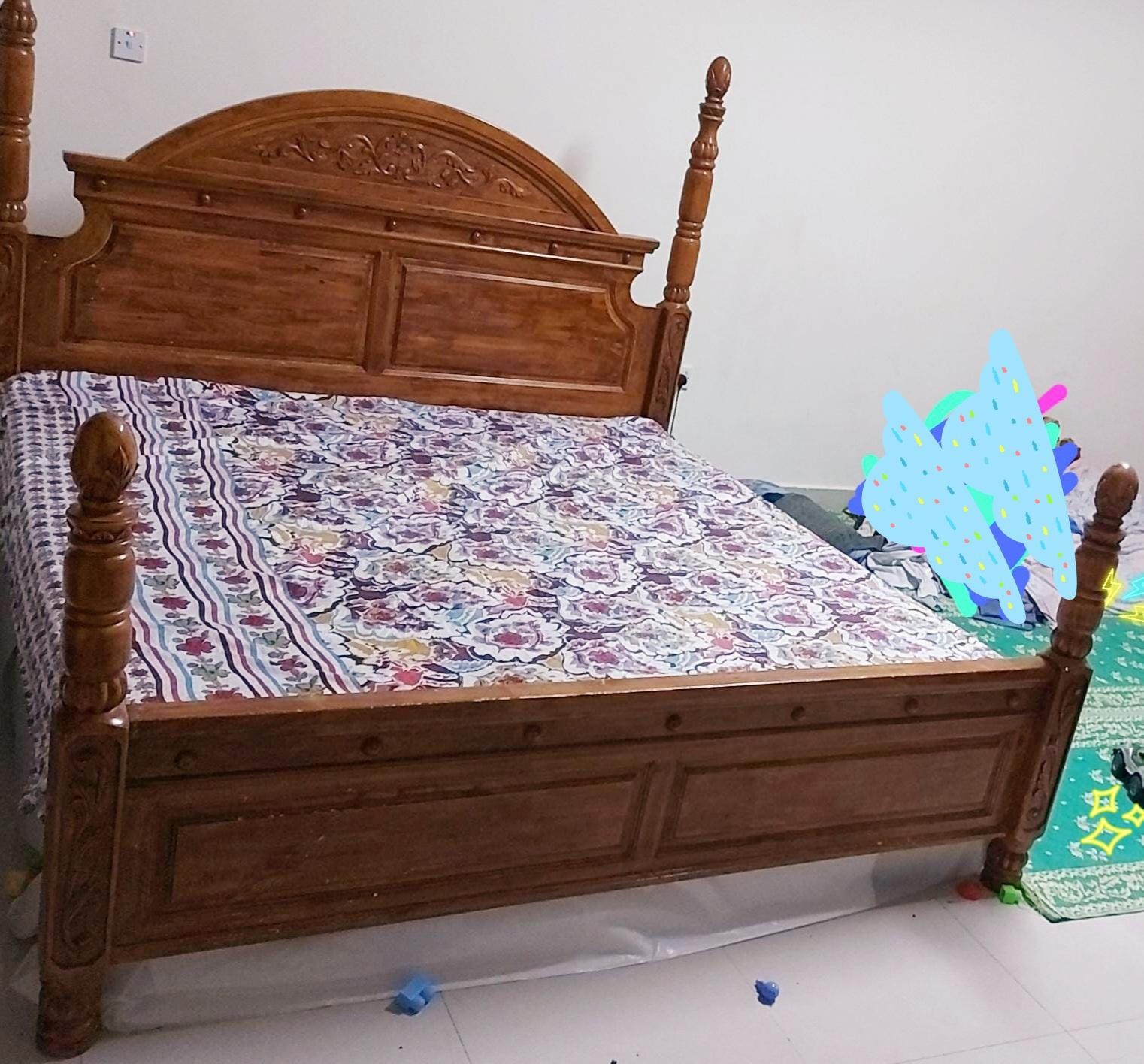 Bed with free mattress,(cmplt bdrm st fr 1000 nly)