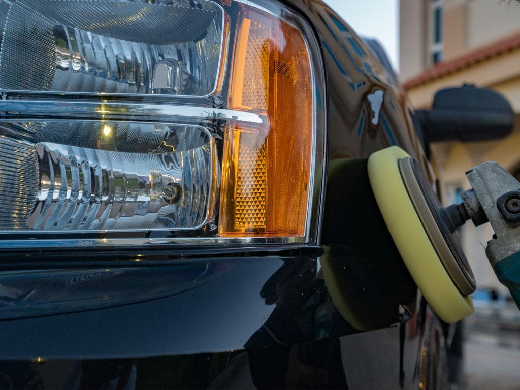 خدمات غسيل وتلميع وبوليش سيارات في المنزل
