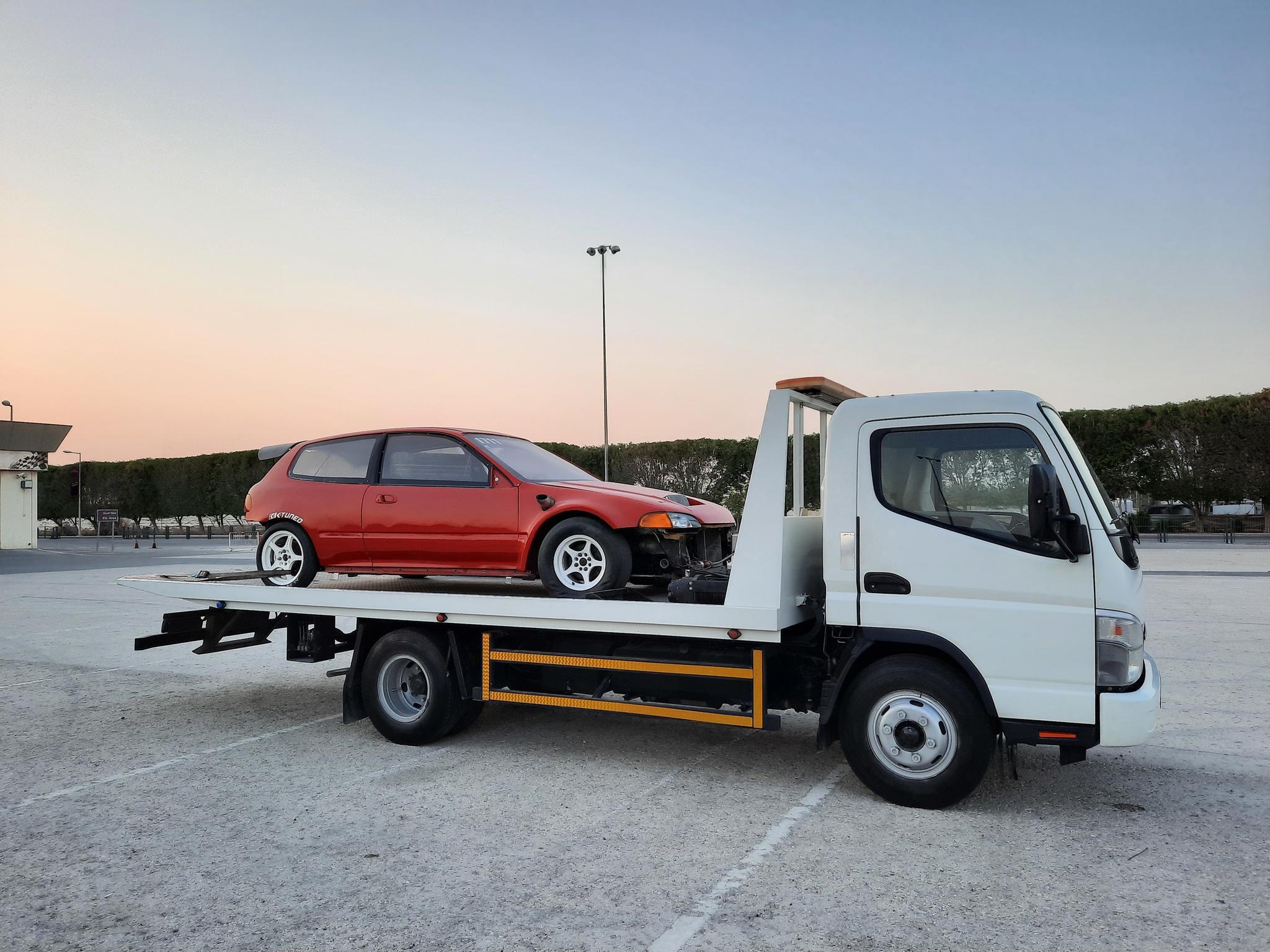 car towing service call 33560598