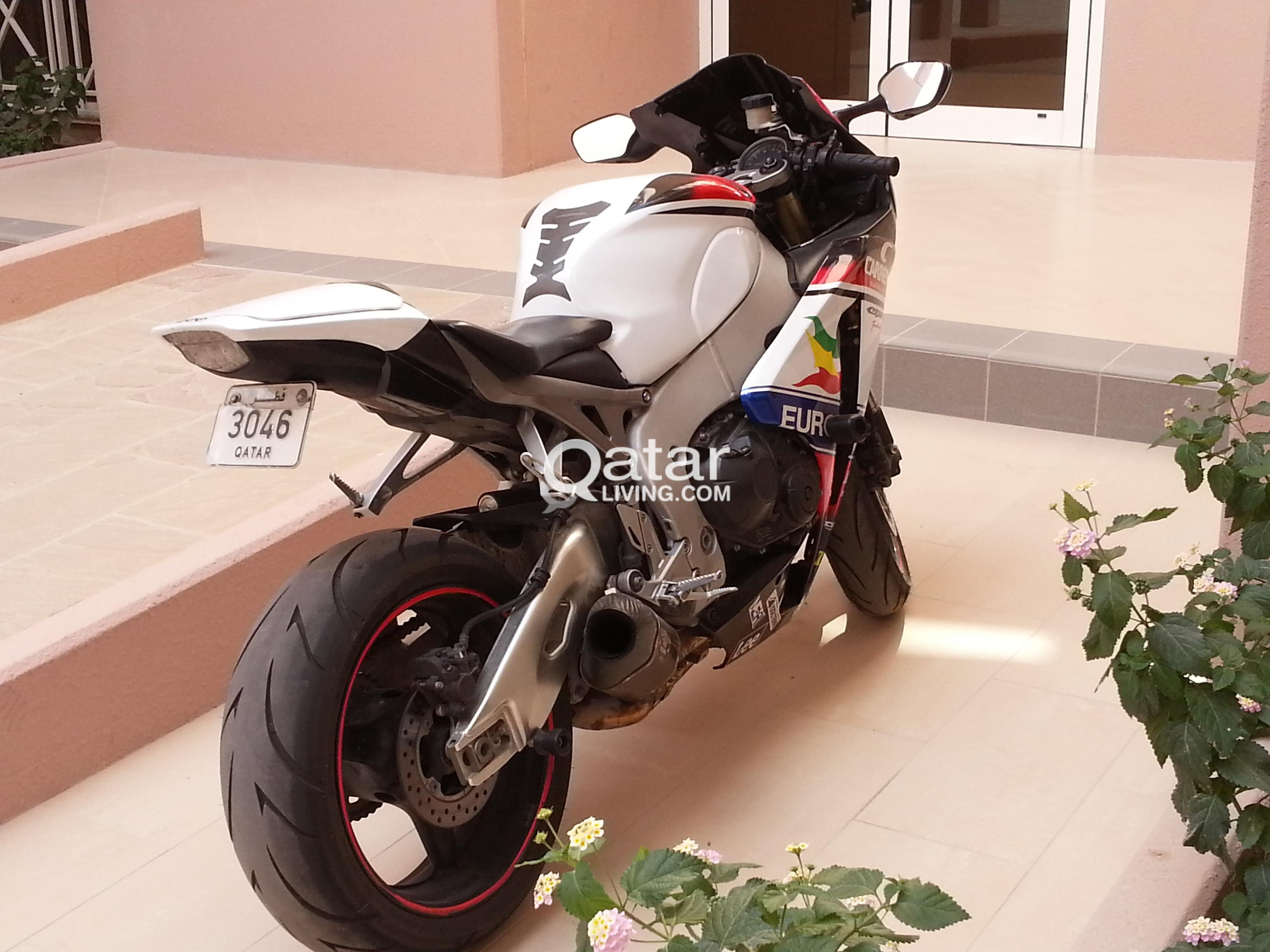 Super 1000Cc Honda Cbr Fireblade 2011 Qatar Living Gmtry Best Dining Table And Chair Ideas Images Gmtryco