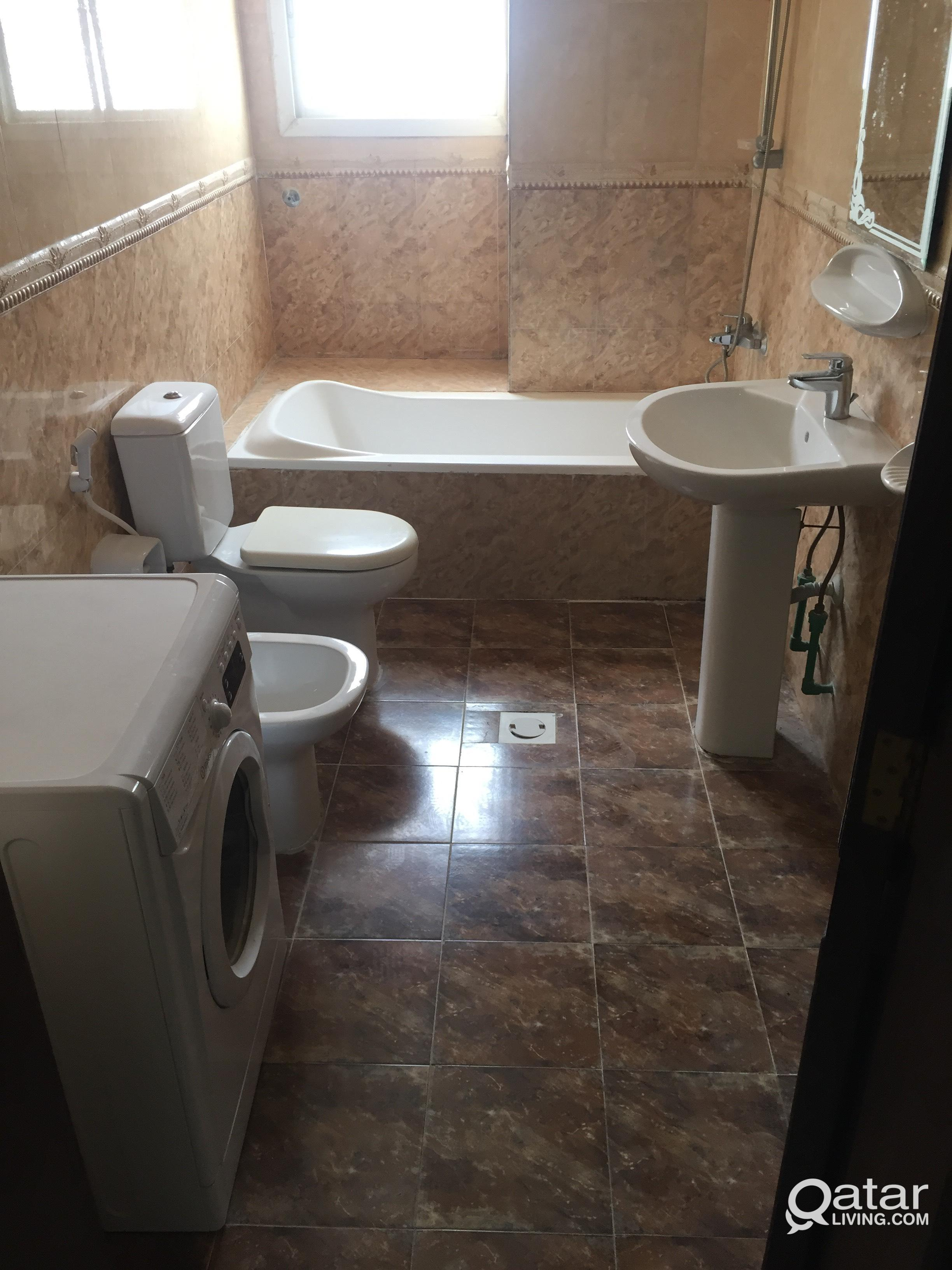 1 Bed space in 3 BHK doha jadeed.