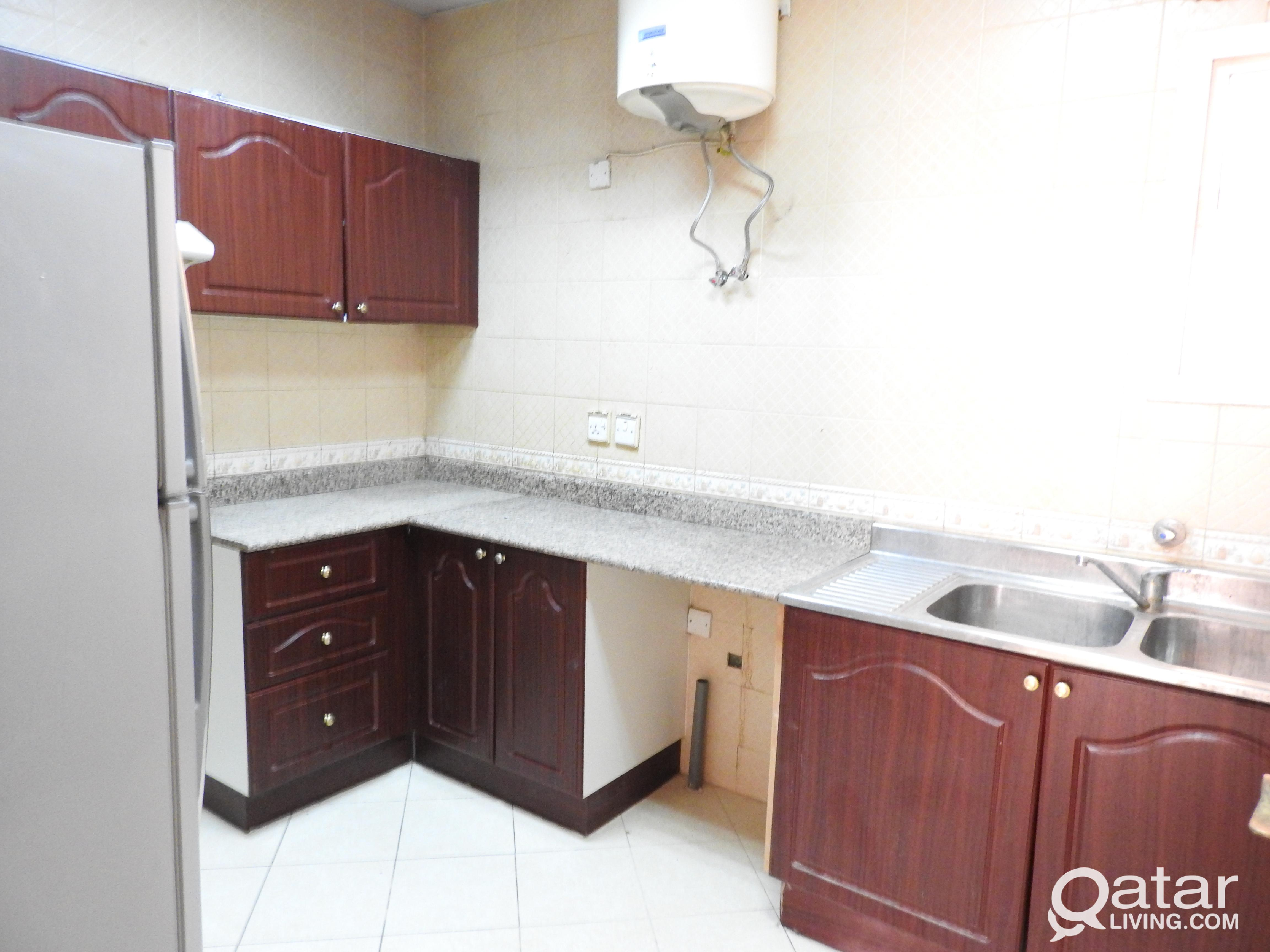 SPACIOUS 2 BHK AVAILABLE IN  MANSOURA NEAR CHAIRMA