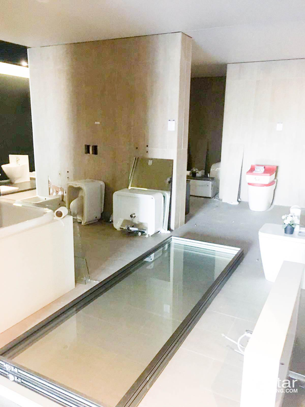 Unfurnished, Commercial Showroom Shop 600 SQM For