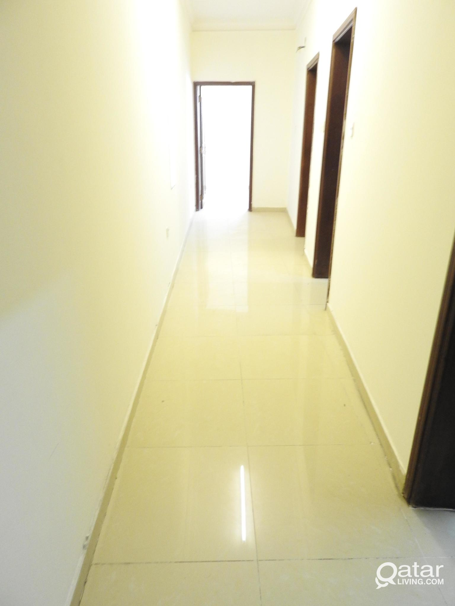 SPACIOUS 2 BHK AVAILABLE IN OLD AIRPORT NEAR HEALT
