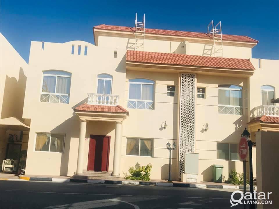 * * * SF 5 BR Villa for QR. 7,000 * * *