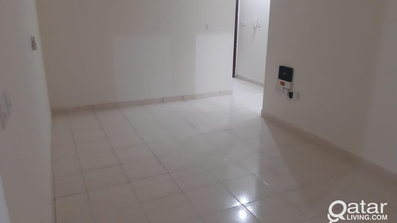 3722 Unfurnished 3 BHK Apartment for Rent in Doha