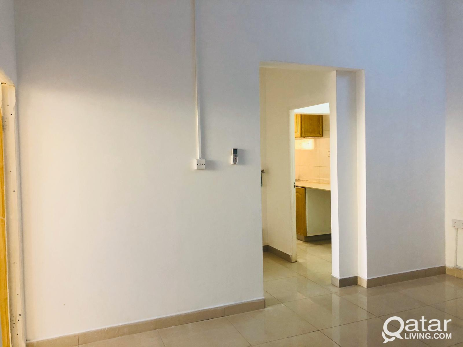 Ref No:3830 Offer!!! Spacious 2 BHK Apartment for