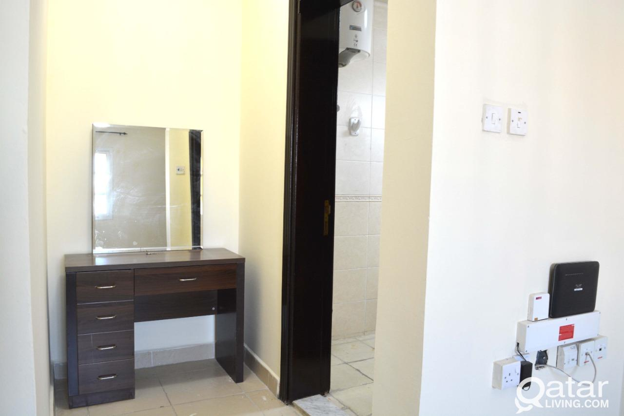 3911 Spacious Fully Furnished 2 BHK Apartment for