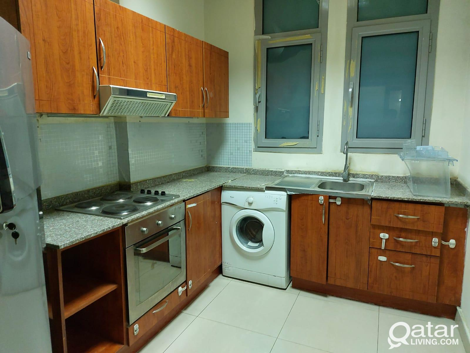 3915 ONE MONTH FREE!! Spacious FF 2 BHK Apartment