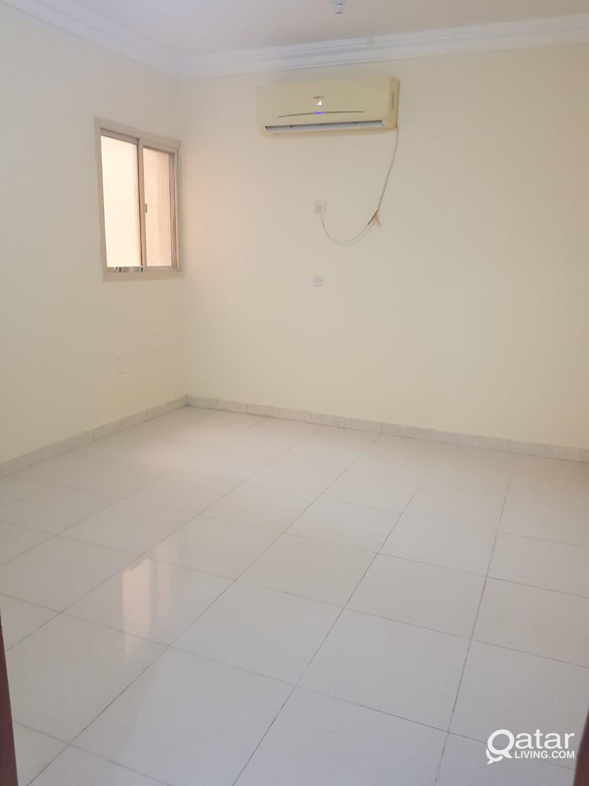 3916 Spacious Unfurnished 2 BHK Apartment for Rent