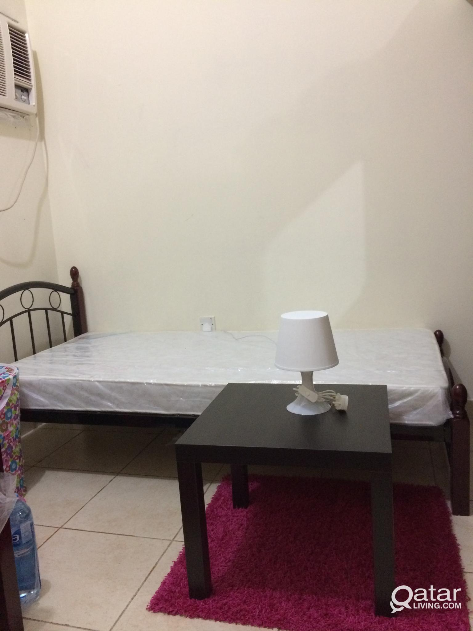 2 PERSON SHARING CONCRETE ROOM  Ready to Occupy.In