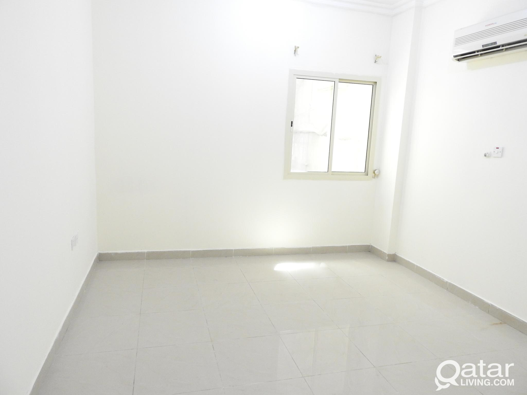 SPACIOUS 2 BHK AVAILABLE IN MUNTHAZA NEAR PARK
