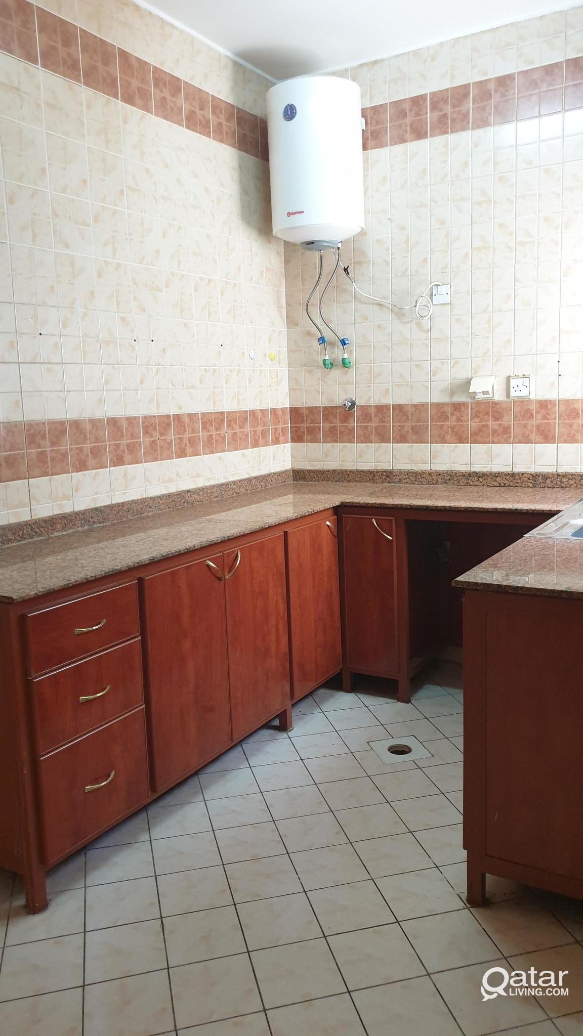 ! UNFURNISHED SPACIOUS 2 BED ROOM FLATS AVAILABLE